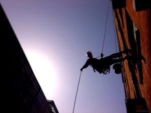 Альпинист с крыши