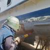 Пескотруйная обработка днища яхты